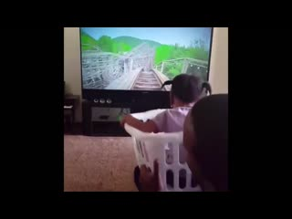 Dads made a 3d ride for his daughter to get on a rollercoaster