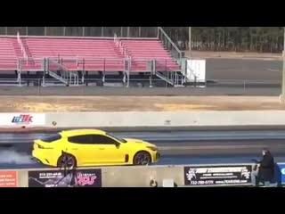 Kia Stinger GT vs Jeep Trackhawk