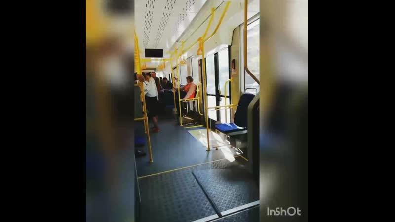 Трехсекционный трамвай Челябинский метеор