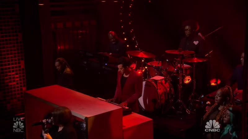 Mark Ronson feat. Yebba - Don't Leave Me Lonely (The Tonight Show Starring Jimmy Fallon - 2019-09-24)