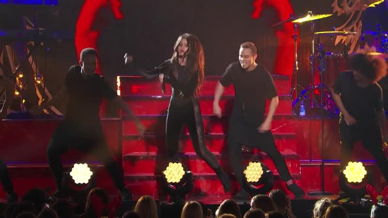 Selena Gomez – «Hands To Myself» - (Live on iHeartRadio, Jingle Ball 2015)