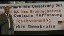Art.146 GG: POLIZEI erteilt PLATZVERWEIS (deutsche Verfassung)