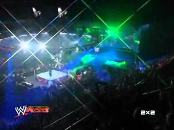 RAW и 2x2: Возвращение Triple H и Undertaker'a