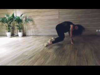 Erotic strip в top-dance