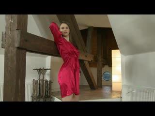 Beata Undine в красном халатике