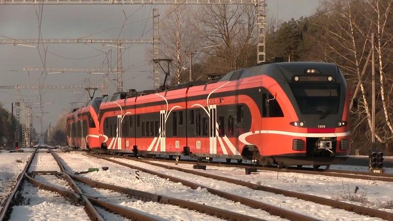 Штадлерские электропоезда 1309 1321 на ст. Клоога Stadler EMU s 1309 1321 at Klooga station