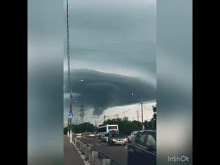 🌪Пугающие кадры торнадо в городе Орехово-Зуево... (с) Денис Избрехт