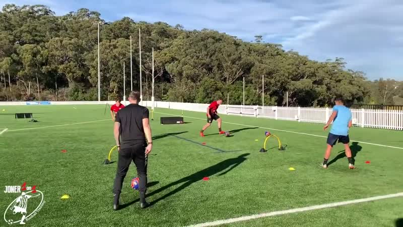 How To Improve Passing Accuracy _ Passing 1st Touch Drills _ Joner 1on1-02