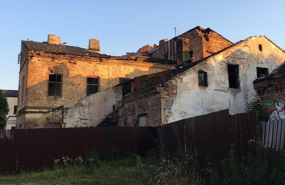 Граффити Предка всё... Начали разрушать заброшку на Советской