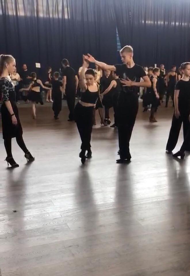 Клуб мелодия москва бальные танцы зенит спартак москва футбольный клуб