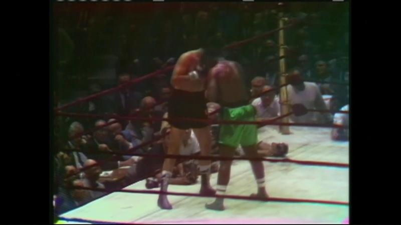 Joe Frazier vs Manuel Ramos - 1968-06-24 - NYSAC World Heavyweight Title - HD