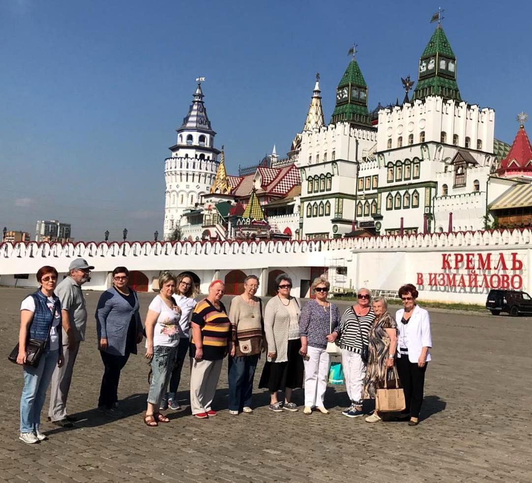 Получатели социальных услуг из Кузьминок посетили Измайловский Кремль