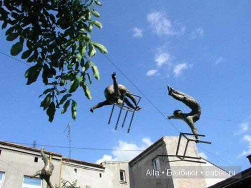 Произведения скульптуры, парящие в воздухе от Jerzy edziora
