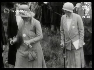 AVIATION: Female pilots at Northampton airshow (1931)