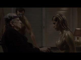Девушку заставили проглотить сперму старого деда (делает минет инвалиду, сосет грязный хуй, подавилась спермой)