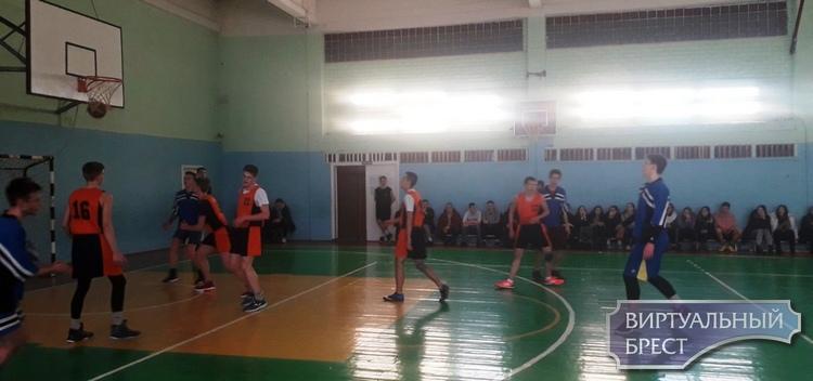 Первенство Ленинского района г. Бреста по баскетболу среди юношей состоялось