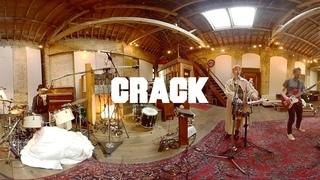 Exclusive: Ultraísta 360° VR performance | Crack Magazine