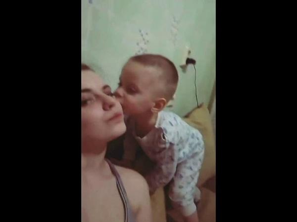 Ярик. Приступ нежности у ребенка