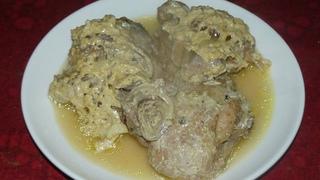 Нежнейшие, запеченные в духовке куриные бедра в молоке. Ммм... вкуснятина.