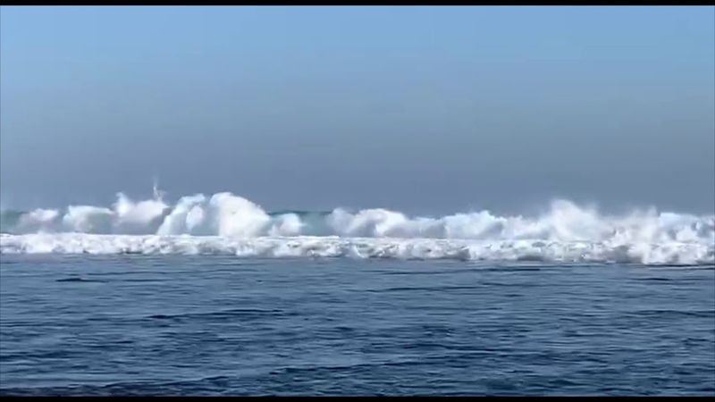 At the Melasti Beach you can come close to the huge wawes admire them pretty close and stay alive