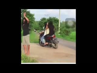 Kumpulan_Video_Wong_Edan_Kui_Bebas_Terbaru_Terlengkap_Ngakak_Lucu_Sampe_Nangis(720p).mp4