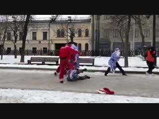 Что-то много Дедов Морозов развелось