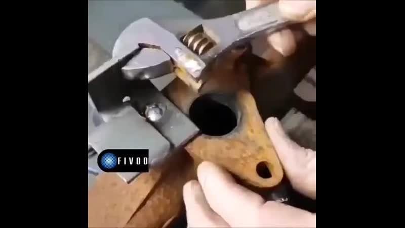 Как выкрутить отломившийся болт