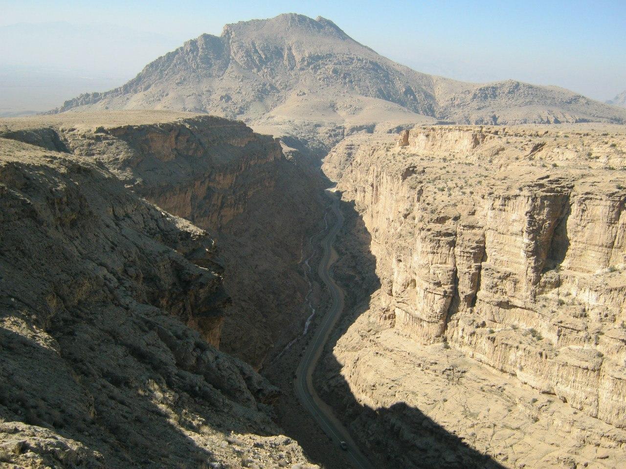 каньон близ Делиджан в Иране
