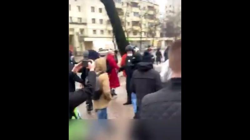 Участники акции отбили своего товарища у полицейского Воронеж 31 января