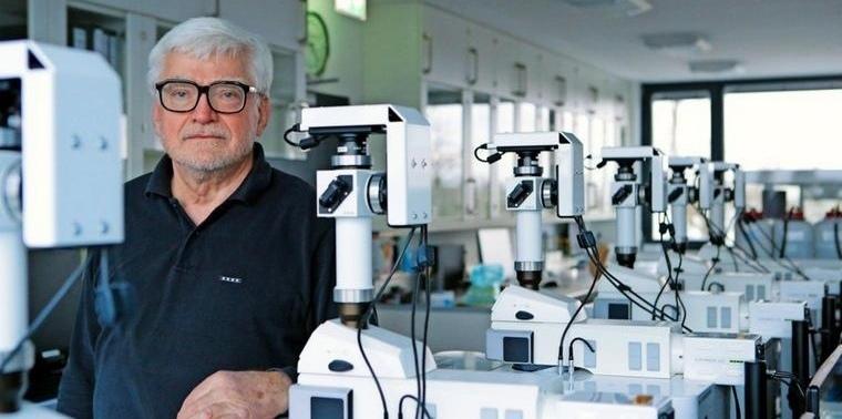 В Германии изобретатель-одиночка создал свою ковид-вакцину, тестировал ее на близких и отправился под суд