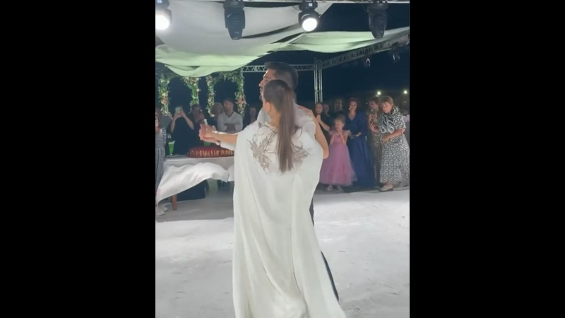 Видео от Продажа Прокат ЭЛИТНЫХ платьев Mila Mi Ярославль