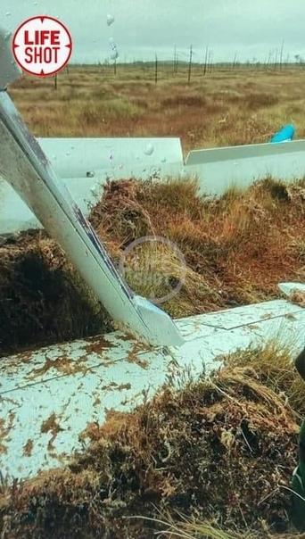 В Югре, при посадке на озеро разбился гидросамолет...