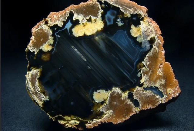 Виды агата, магические и целительные свойства агата, натуральные минералы, украшение из агата, какой бывает агат, агат в астрологии, агат фото, как выглядит агат, какой бывает агат,
