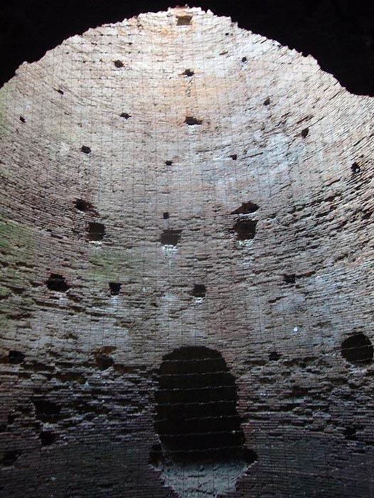 Интерьер гробницы Цецилии Метеллы на Аппиевом пути выдержал испытание временем благодаря секретам римского бетона.