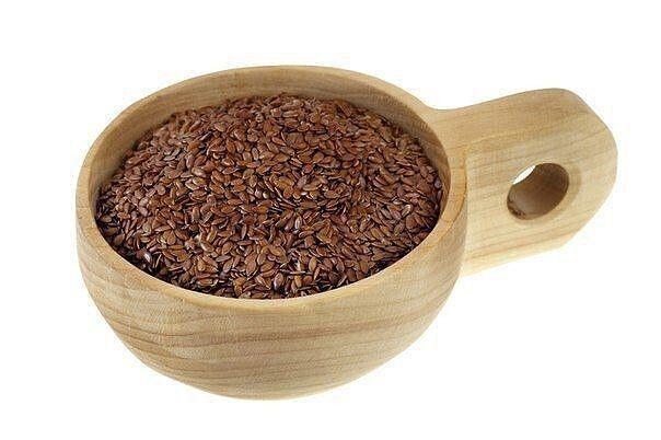 ЦЕЛЕБНЫЕ СВОЙСТВА ЛЬНА И РЕЦЕПТЫ ДЛЯ ПОХУДЕНИЯ В семенах льна богатый состав макро-и микроэлементов (калий, кальций, магний, железо, марганец, медь, цинк, хром, алюминий, никель, йод, бор),