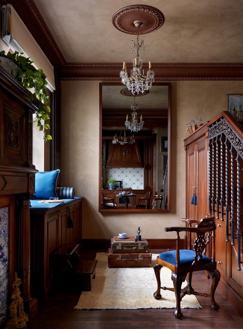 Интерьер московской квартиры 37 м в классическом стиле с антиквариатом.