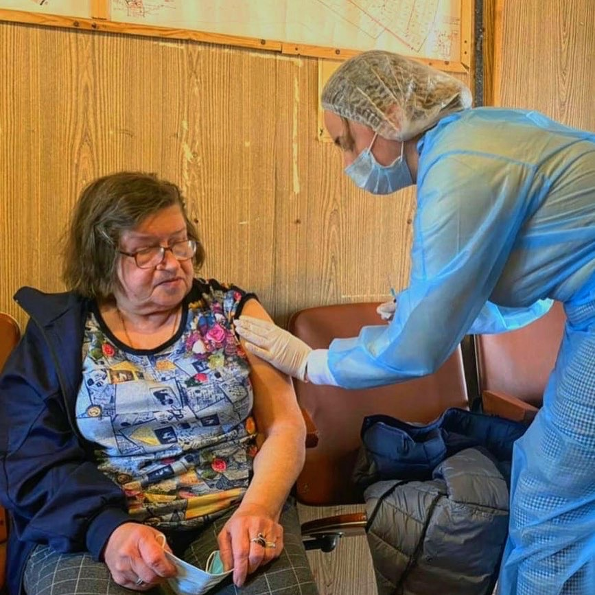 Вакцинация от COVID-19, не отходя от грядок! Услугу вакцинации в СНТ в Московской области протестировали во время майских праздников