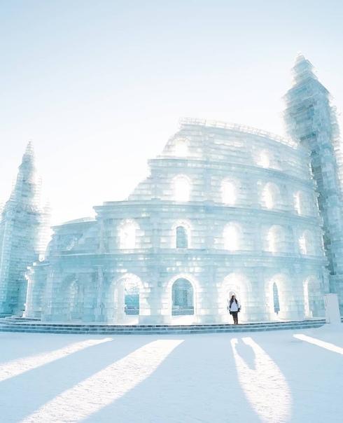Харбинский фестиваль ледяных скульптур в Китае В Китае проходит международный фестиваль ледовых скульптур, и это невероятное зрелище. Город, в котором его проводят один из самых холодных в