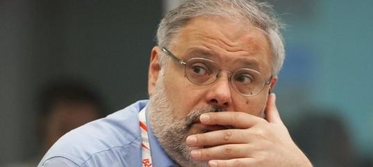 Хазин поименно назвал всех, кто пытается сместить Путина