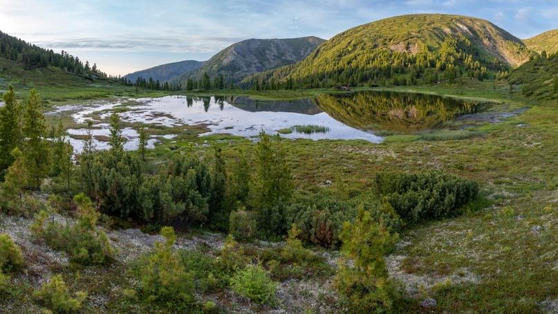 Вид на Чертово озеро