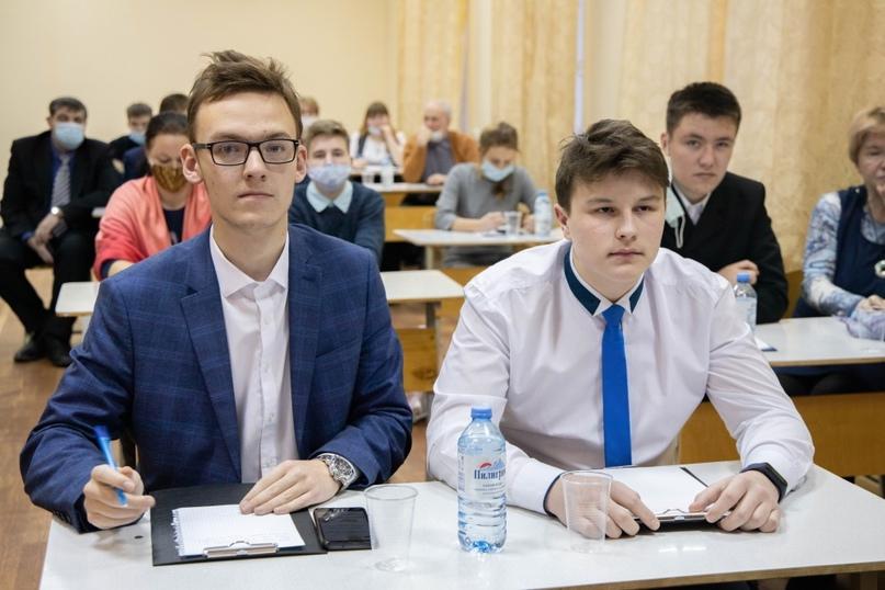 Караваев Павел и Ившин Егор, авторы проекта «I-Домофон»