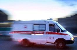 Неустановленный водитель сбил двух человек в Липецком районе