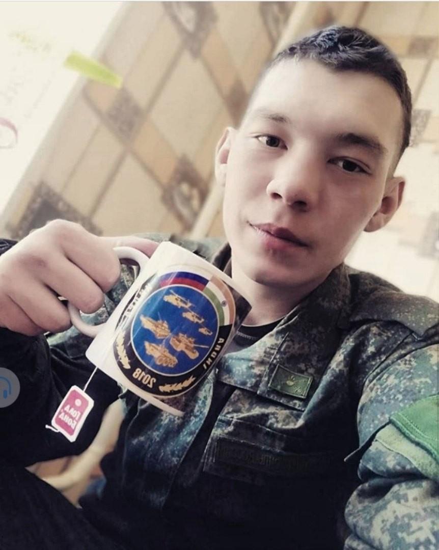 Александр, 24, Arsen'yev