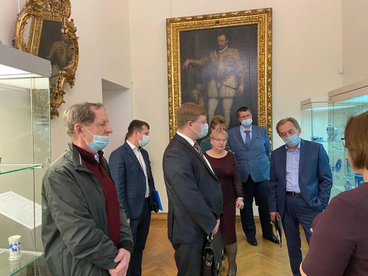 Представители Петровска приняли участие в заседании регионального оргкомитета по подготовке мероприятий, посвящённых 350-летию со дня рождения российского императора Петра l
