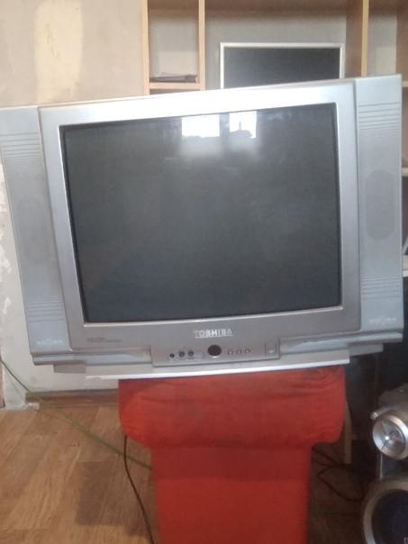 Продам телевизор в отличном состоянии пульт в комп...