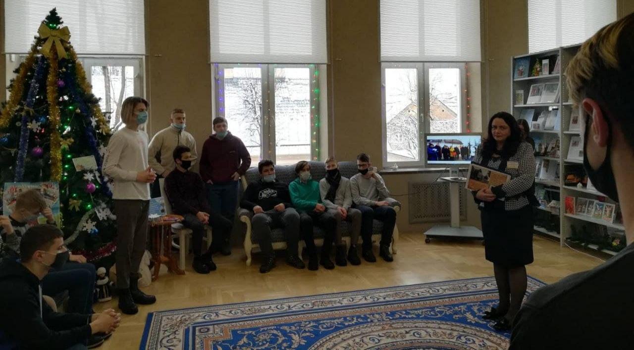 """7 ТЭС посетила экскурсию """"Новая история старого дома"""" в библиотеке"""