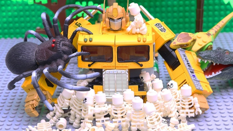 Transformers Bumblebee vs Optimus Prime Stop motion with Longhaul Lego Skeleton Adventure Story