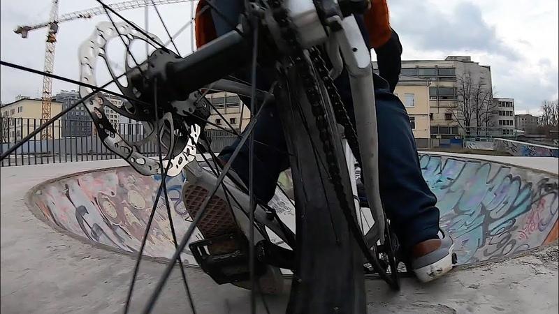 Фэт Сдался Silverback Stride Fatty Fatbike in Ghetto Skatepark
